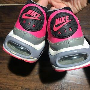 Rare retro athletic wear Nike air max black/pink